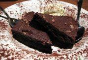 کیک رژیمی با طعم کاکائو