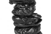 مزایای مصرف آلوی خشک برای کبد