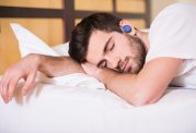 آیا خوابیدن روی شکم به کمر شما آسیب می رساند؟