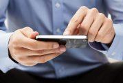 استفاده زیاد از تلفن همراه دلیلی برای پیرچشمی در سنین پایین