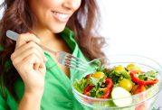 بانوان با تغذیه از این مواد غذایی سالم میمانند
