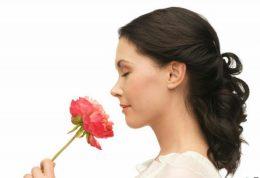 حس ضعیف بویایی ممکن است اعلام خطری برای بیماری آلزایمر باشد