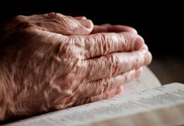 اولین نشانه های سرطان در دستان شما