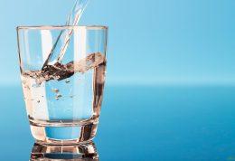 ضرورت نوشیدن آب برای سلامتی انسان