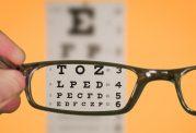 10 عادت نادرست که چشمان شما را ضعیف می کند