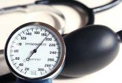 10 خوراکی که به کنترل فشار خون بالا کمک میکند