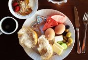 اهمیت صبحانه در دوره های مختلف