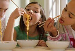 بررسی مراحل مختلف رشد کودک