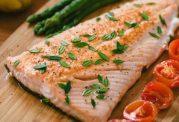 خواص مصرف ماهی سالمون و میگو