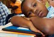 مشکلات تحصیلی دانش آموزان با برخی عوامل جانبی