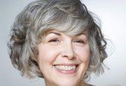 توصیه های تغذیه ای برای پیشگیری از سفید شدن موها