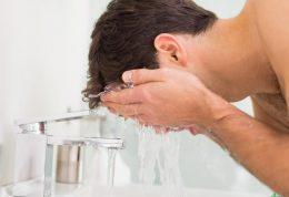 هنگام شستن صورت از این خطاها پرهیز کنید