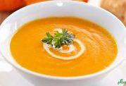 سوپ نارنجی رنگ با پیاز و سیب زمینی