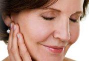درمان چین و چروک اطراف چشم با مواد غذایی