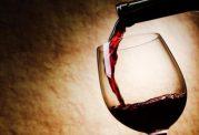 مصرف مشروبات الکلی برای همه خطرناک است