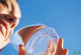 در صورت نخوردن آب بدن چه واکنشی نشان میدهد؟