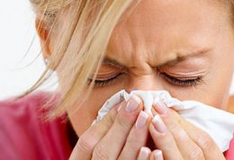 خشکی بینی همراه با درد گلو