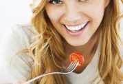 مواد غذایی مفید برای خانم ها در هر سنی