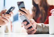 استفاده زیاد از موبایل باعث بروز سرطان چشم میشود