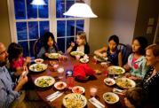اهمیت مصرف وعده های غذایی به صورت دسته جمعی