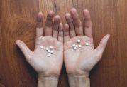 ۷ چیز که بعد از متوقف کردن داروهای ضد افسردگی اتفاق می افتد