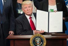 ۱۹هزار دانشمند به قانون مهاجرتی ترامپ اعتراض کردند