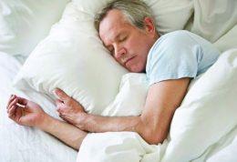 آیا خواب بیشتر در روز تعطیل به سلامت آسیب میرساند؟