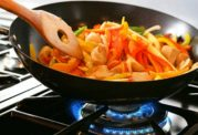این روش پخت غذا سبب ابتلا به بیماری های قلبی می شود