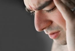 بهبود درد میگرن با طب کایروپراکتیک،شدنی است؟
