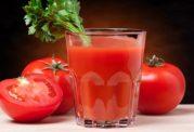 با نوشیدن یک لیوان آب گوجه فرنگی سلامت خود را ارتقا دهید