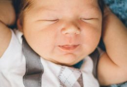 باورهای درست و غلط درباره خوابیدن نوزاد