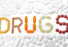 عوارض مصرف خودسرانه انواع مکمل و داروها