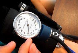 اندازه گرفتن فشار خون در منزل