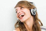 گوش دادن به موسیقی شاد و رفع افسردگی