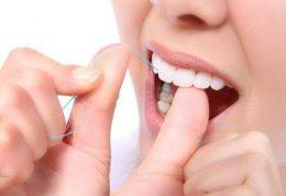 چه روشی برای استفاده از نخ دندان مناسب است؟