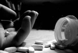 آمار خودکشی در زنان بیشتر است یا مردان؟