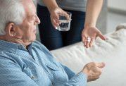 توصیه هایی در مورد نحوه مصرف درست داروها به سالمندان