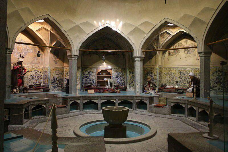 چگونگی گرم شدن حمام شیخ بهایی تنها با یک شمع