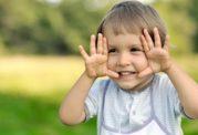 واکنش های والدین در برابر افتادن کودکان بر زمین