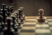 تعداد اتمهای جهان از تعداد حرکات شطرنج کمتر است