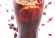 دستور تهیه شربت گل محمدی نوشیدنی نشاط آور!