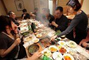 در جهان چه آداب و رسومی برای غذا خوردن وجود دارد؟