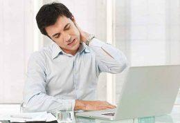 پیشگیری از آسیبهای گردن هنگام استفاده از گوشی موبایل
