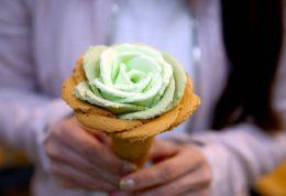 بستنی زیبا شبیه به گل