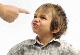 با رفتارهای پرخاشگرانه ی کودکان چگونه برخورد کنیم