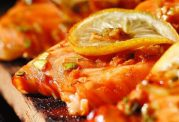 مزه دارکردن ماهی سالمون با سس سویا