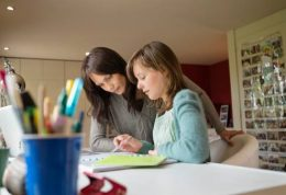 آموزش زود هنگام باعث رشد و بهبود مغز کودکان می شود