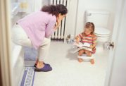آموزش نحو صحیح رفتار با کودکان و ورود به دنیای آنها