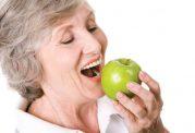 توجه به برنامه غذایی سالمند را فراموش نکنید!