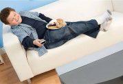 بالا رفتن وزن با غذا خوردن پای تلویزیون